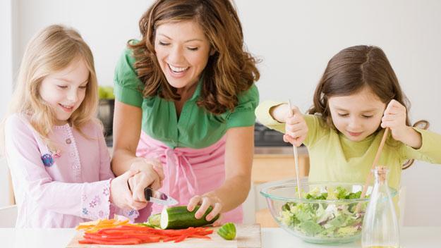 Alimentacion balanceada en niños y adolescentes